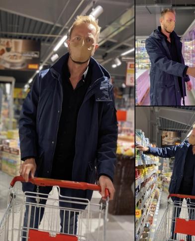 07.nakupujici_v_obchode.jpg